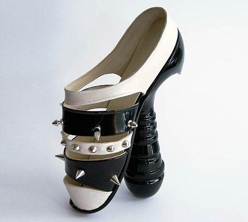 Dildo Shoe |Wonder if it vibrates when you walk.