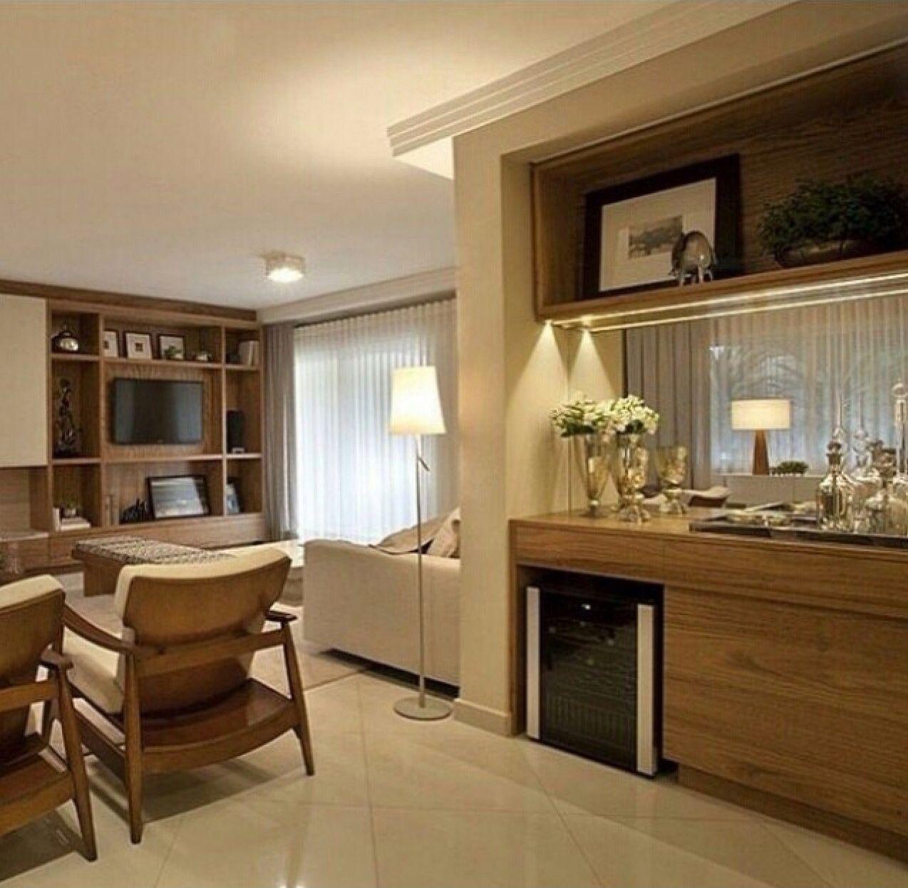 #35210E Lindo buffet com adega embutida e espelho! @decorandocomclasse bares  1274x1247 píxeis em Aparador Para Sala De Estar Americanas