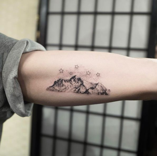 ab72fb84439aa The Ultimate Guide To Mountain Tattoos (70 Photos | Thepastcover ...