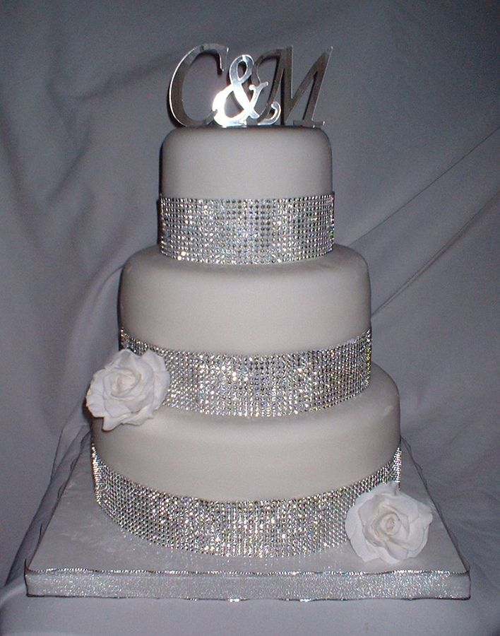 how to make a bling wedding cake stand wedding cakes with bling 12 fondant covered with 15792