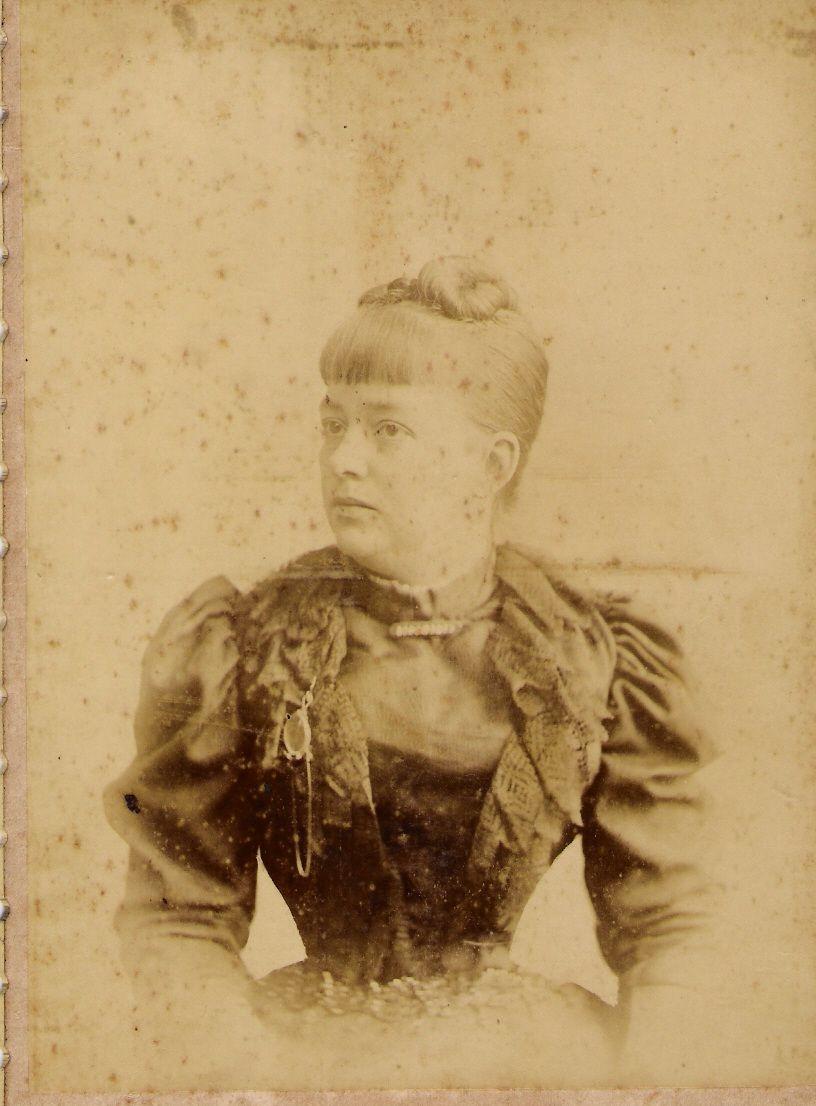 .Bela senhora de 1895