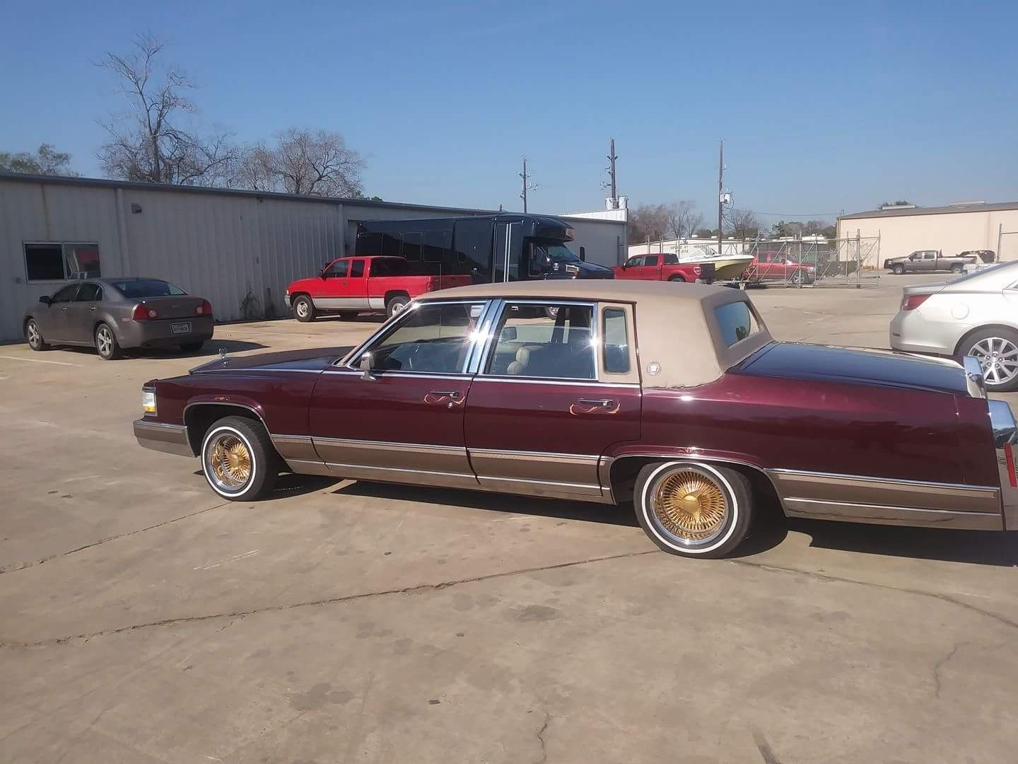 92 Cadillac Fleetwood Brougham Low