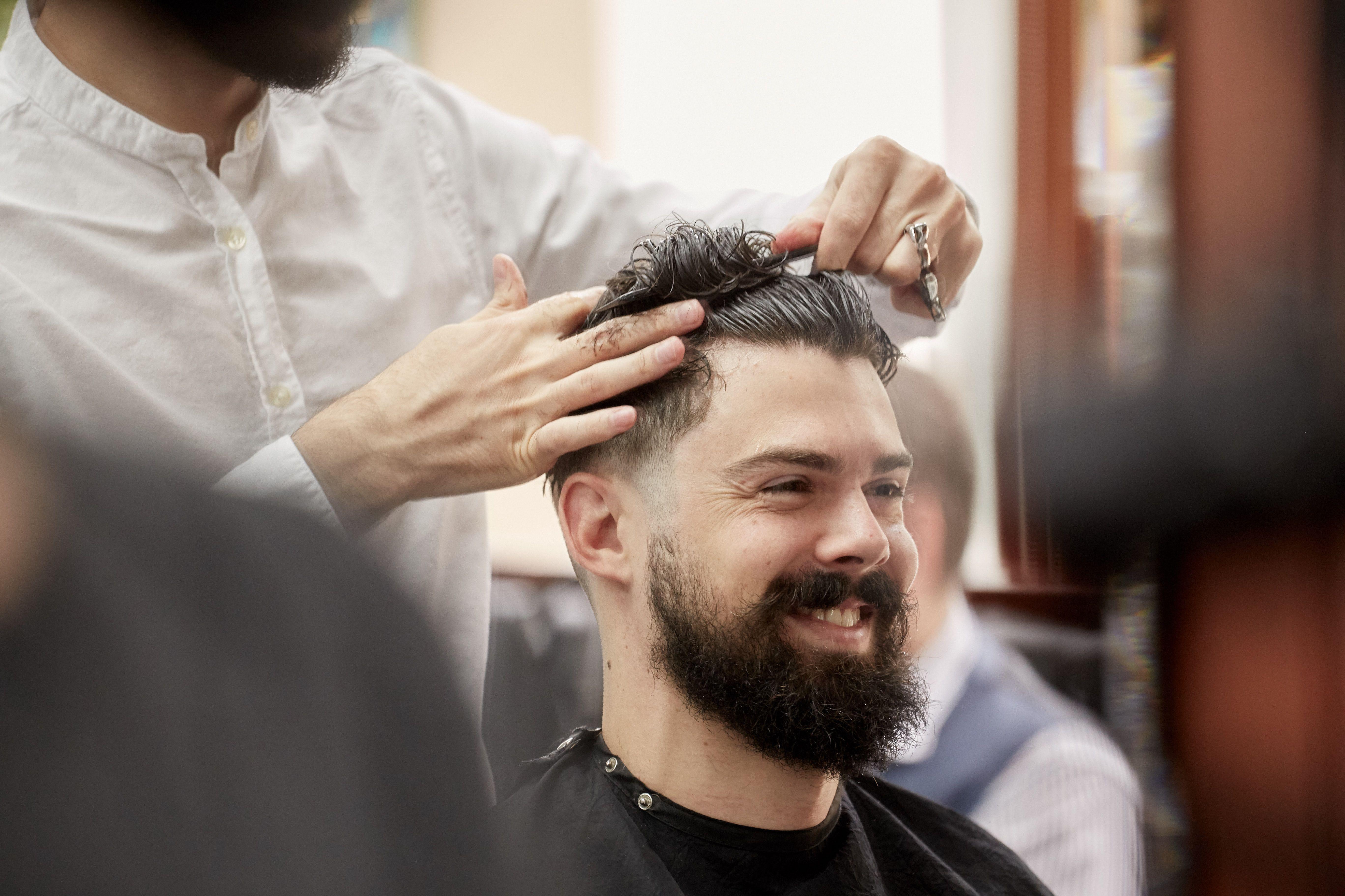 Barber Shop Nyc Barbers Nyc Pall Mall Barbers Midtown Nyc Best Barbers Midtown Rockefeller In 2020 Best Barber Barber Near Me Barber London