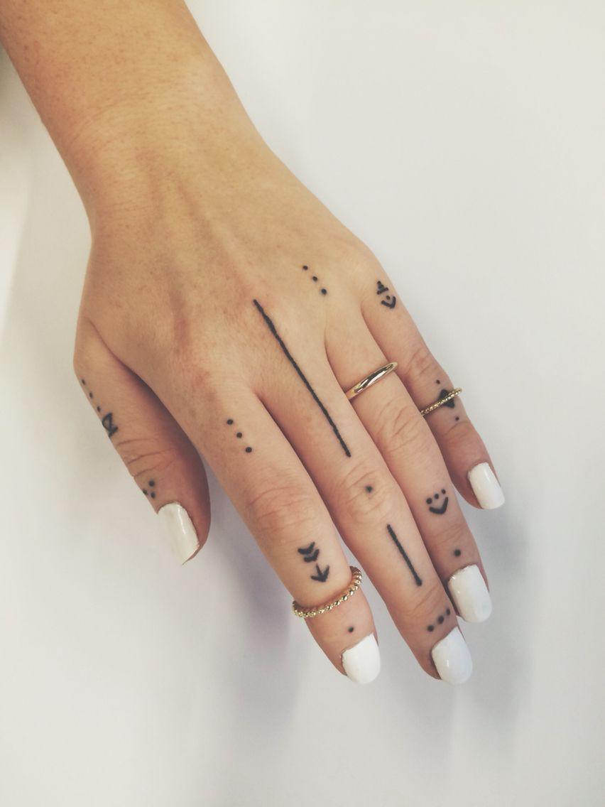 Photo of My hand tattoo from Taka Tamada IG: champagne_problems #handtattoo #geometrictat…