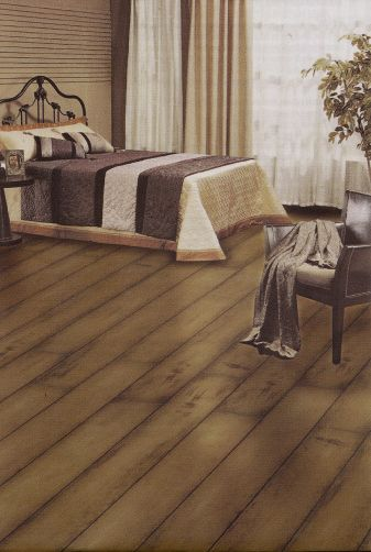 Oakwood Village Normandy French Bleed 12mm Laminate Flooring Old