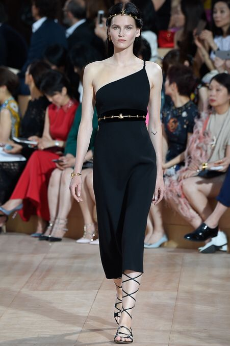 Valentino  #VogueRussia #couture #fallwinter2015 #Valentino #VogueCollections