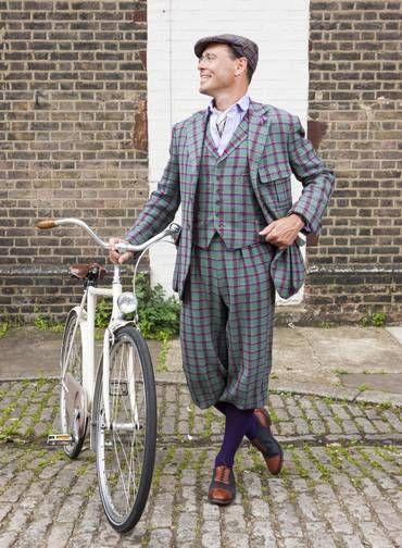 O designer Guy Hills em 2012. Com sua grife, Hills reinventou o tweed, tecido tipicamente britânico Foto: Geordie/Dashing Tweeds Archive / Divulgação