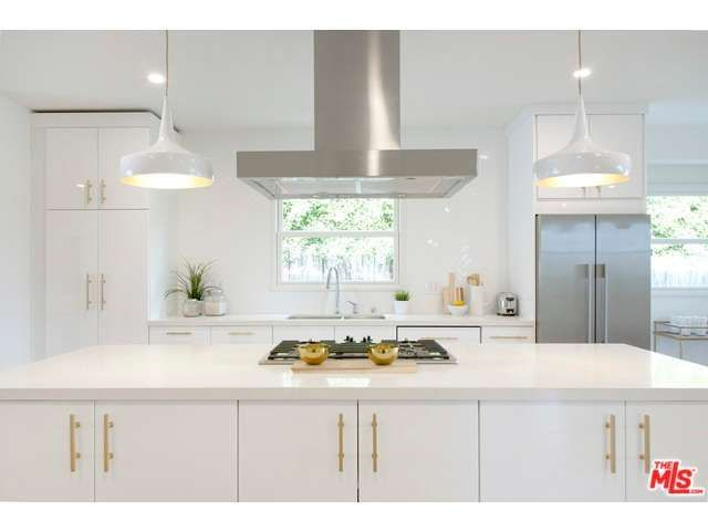 Download Wallpaper White Kitchen Cabinets With Brushed Gold Hardware
