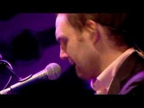David Gray This Year S Love Dave Performing His Arguably Most Successful Song Live At The Hammersmith Apollo Theatre In London
