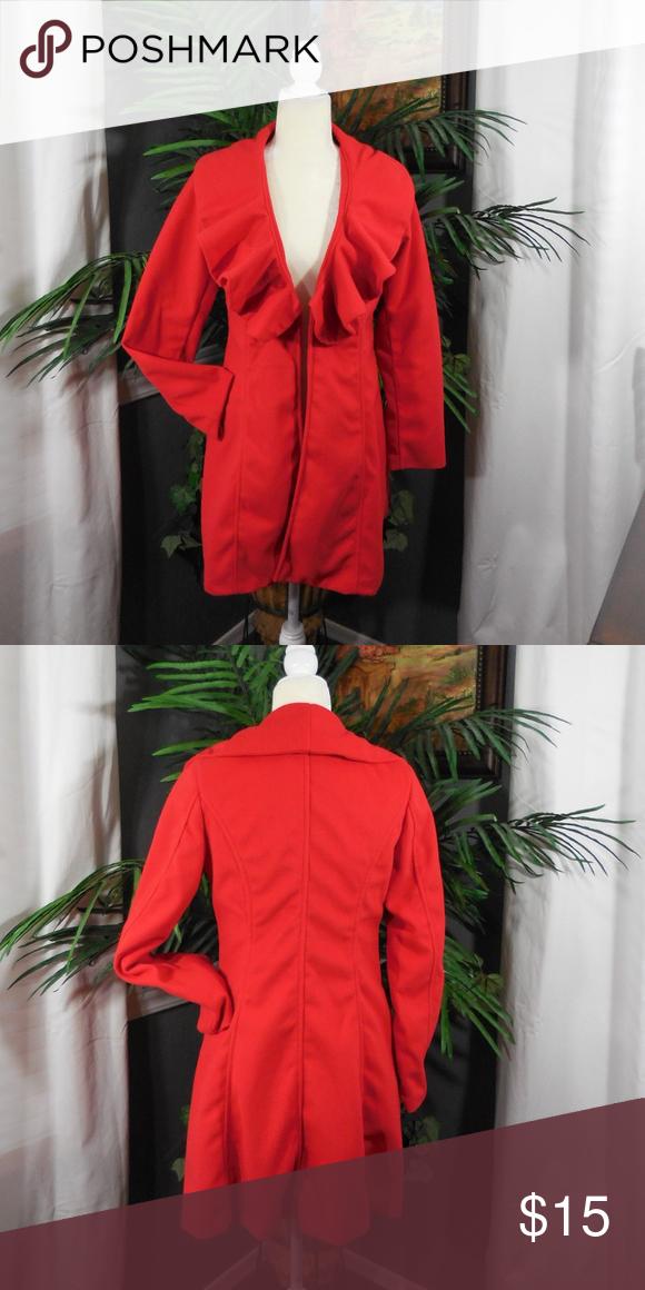 c8e40b938935 New red coat. Women s size M
