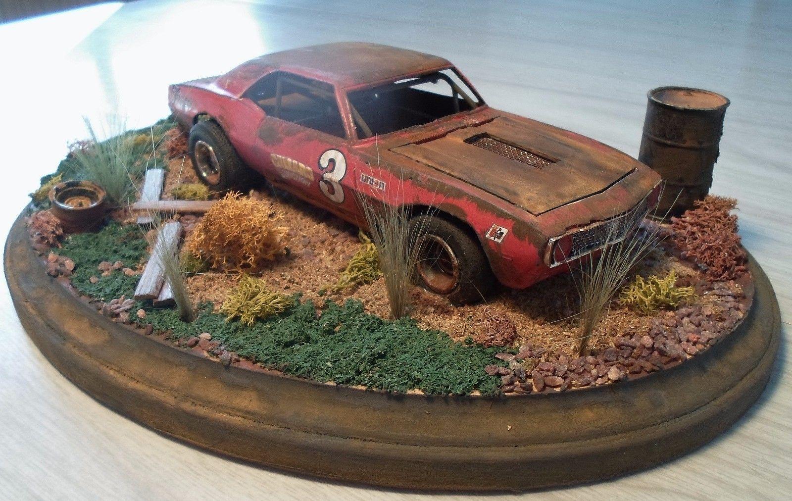 1 24 Scale Built Diorama Junk Yard Vintage Race Car Barn Find ...
