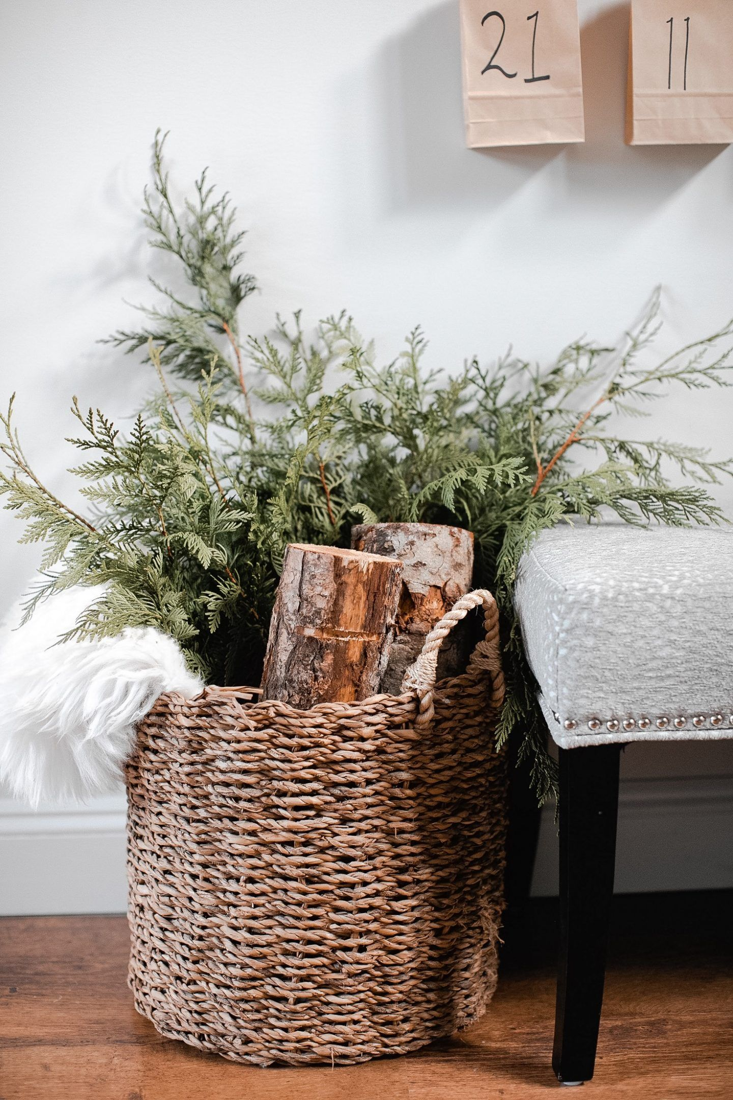Decorate for Christmas using Scandinavian and Modern farmhouse design concepts #winterdecor