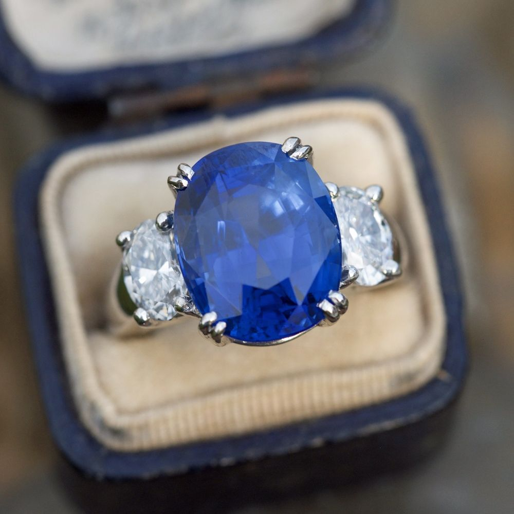12 Carat Beautiful Blue Sapphire Diamond Three Stone Ring Plati Sapphire Engagement Ring Blue Engagement Rings Sapphire Blue Sapphire Engagement Ring Cushion