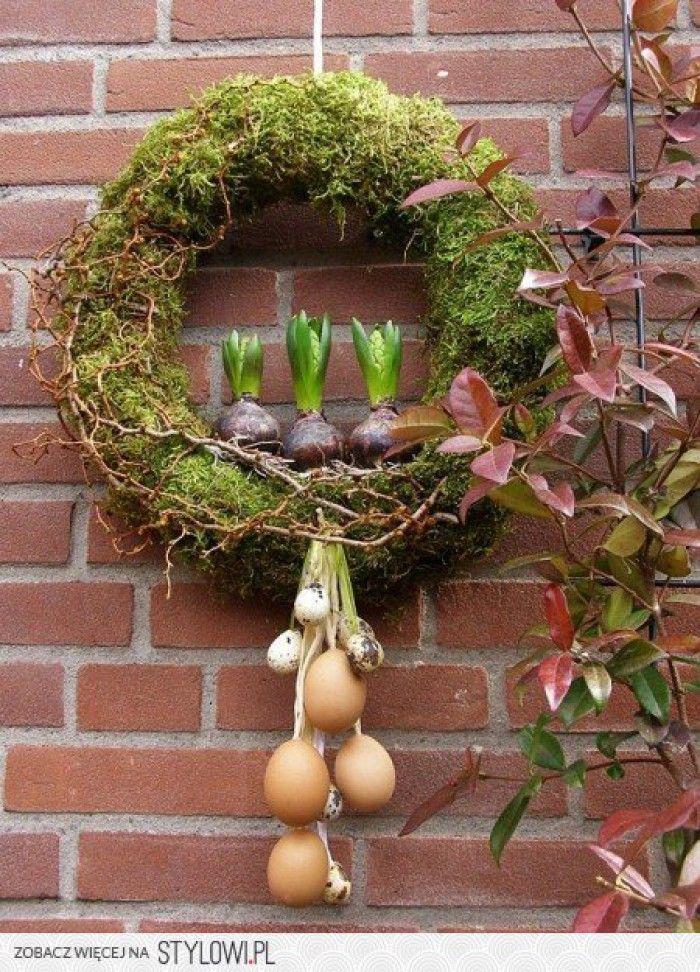Frühlingskranz aus Moos. noch mehr Deko Ideen gibt es auf www.Spaaz ...