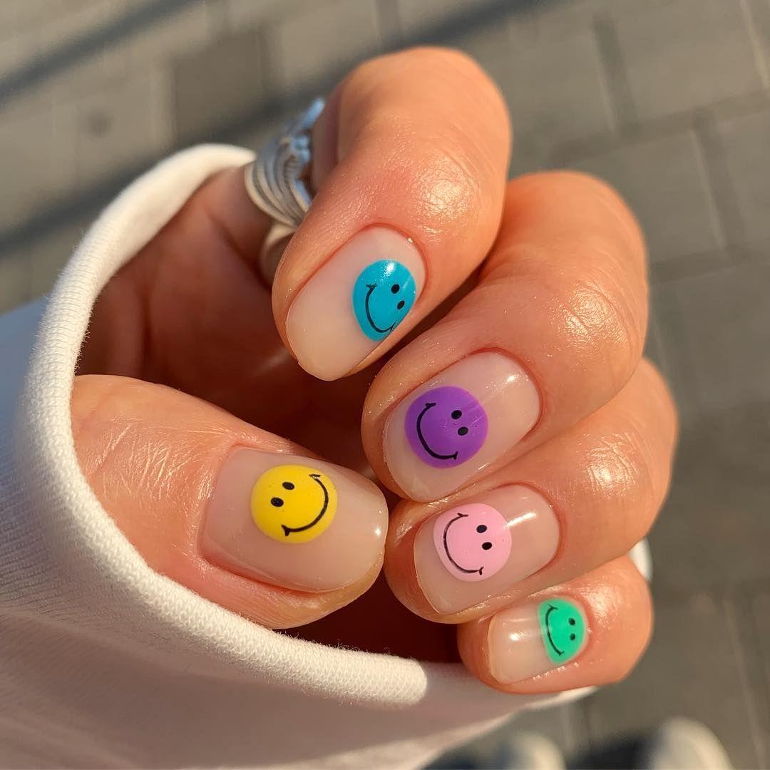Photo of 65 favolosi disegni di nail art facili per il tuo stile di gioco – ChecoPie