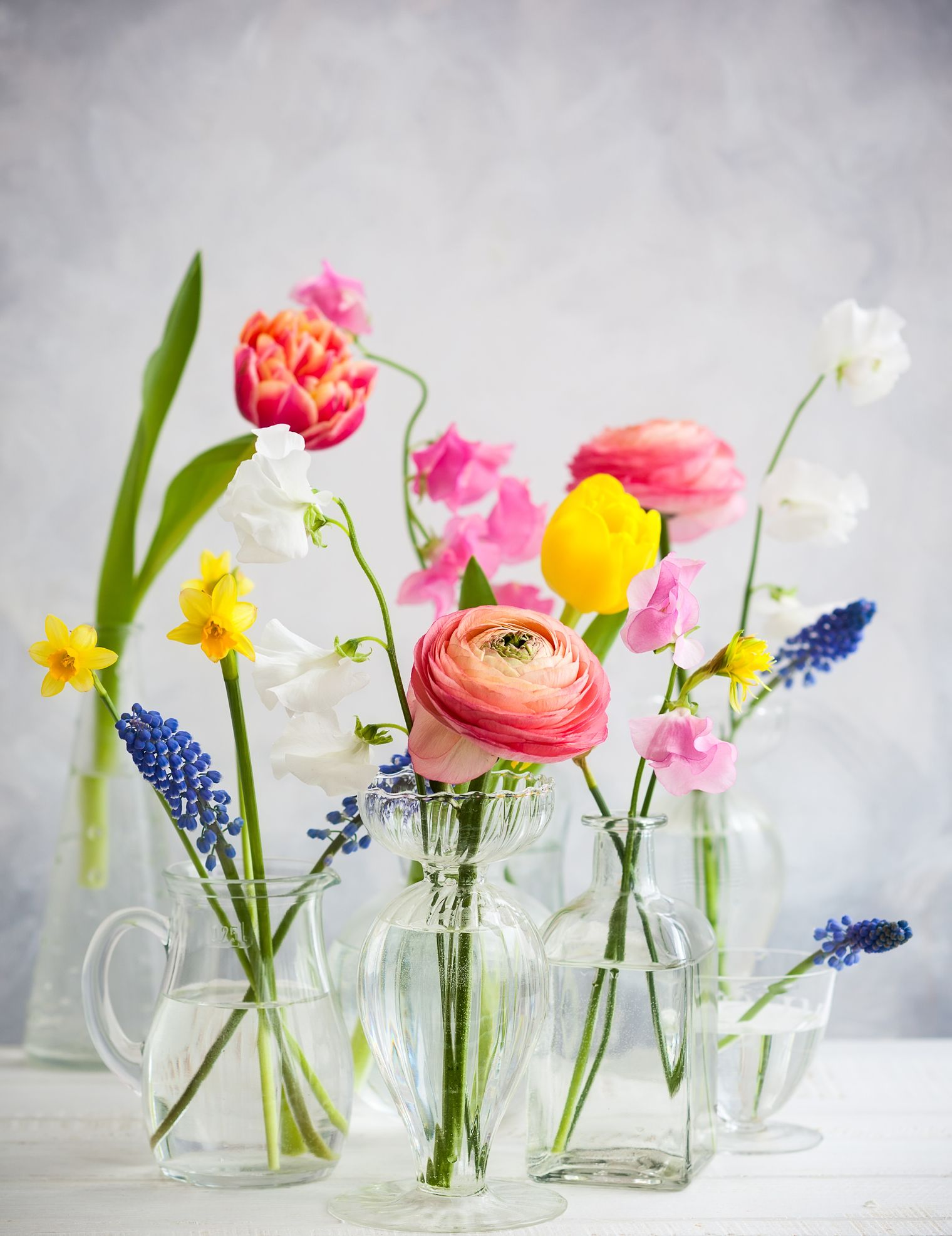 14 Popular Easter Flowers And What They Symbolize Easter Flowers Pretty Flowers Flower Arrangements