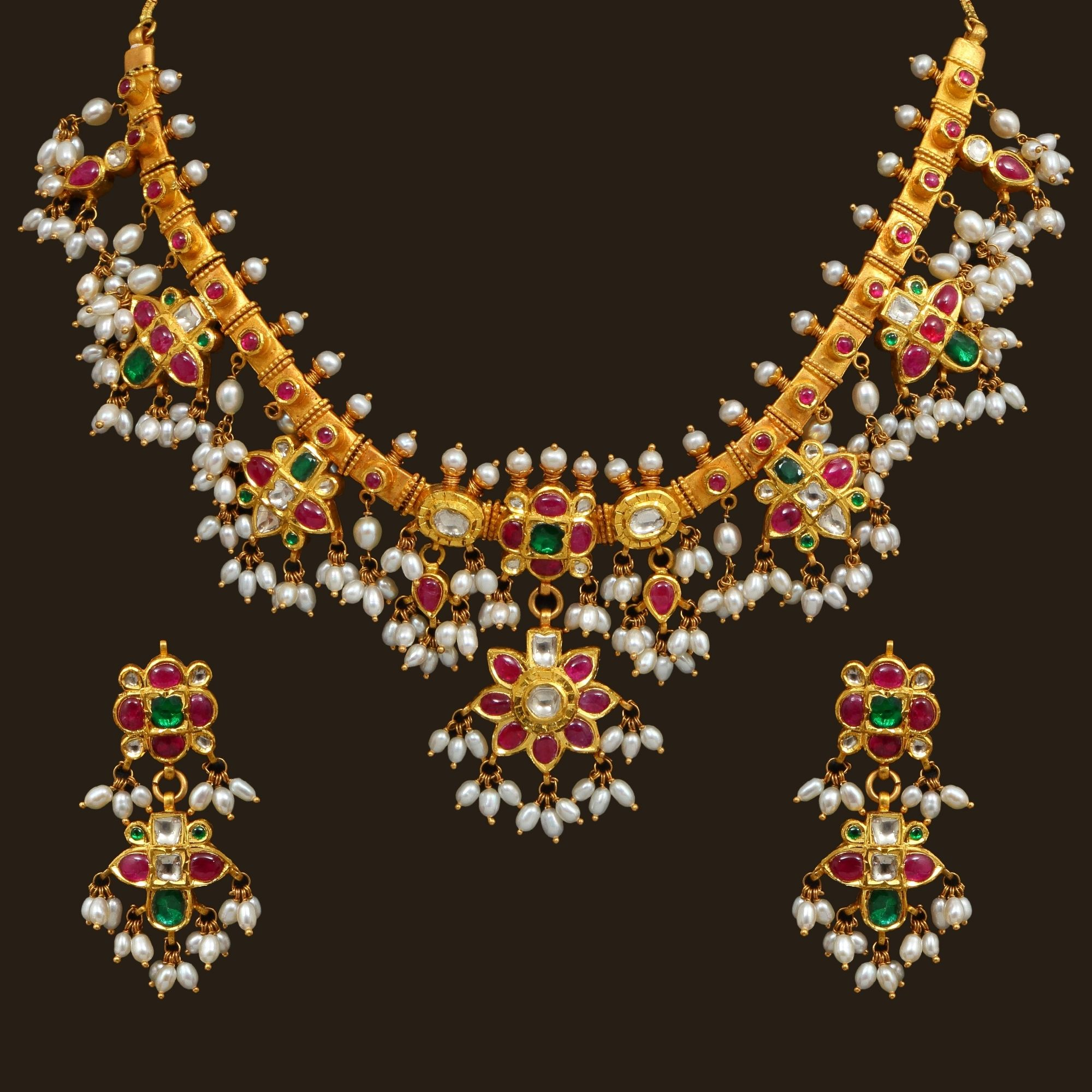 Pin by aruna on aruna in pinterest gold pearl necklace