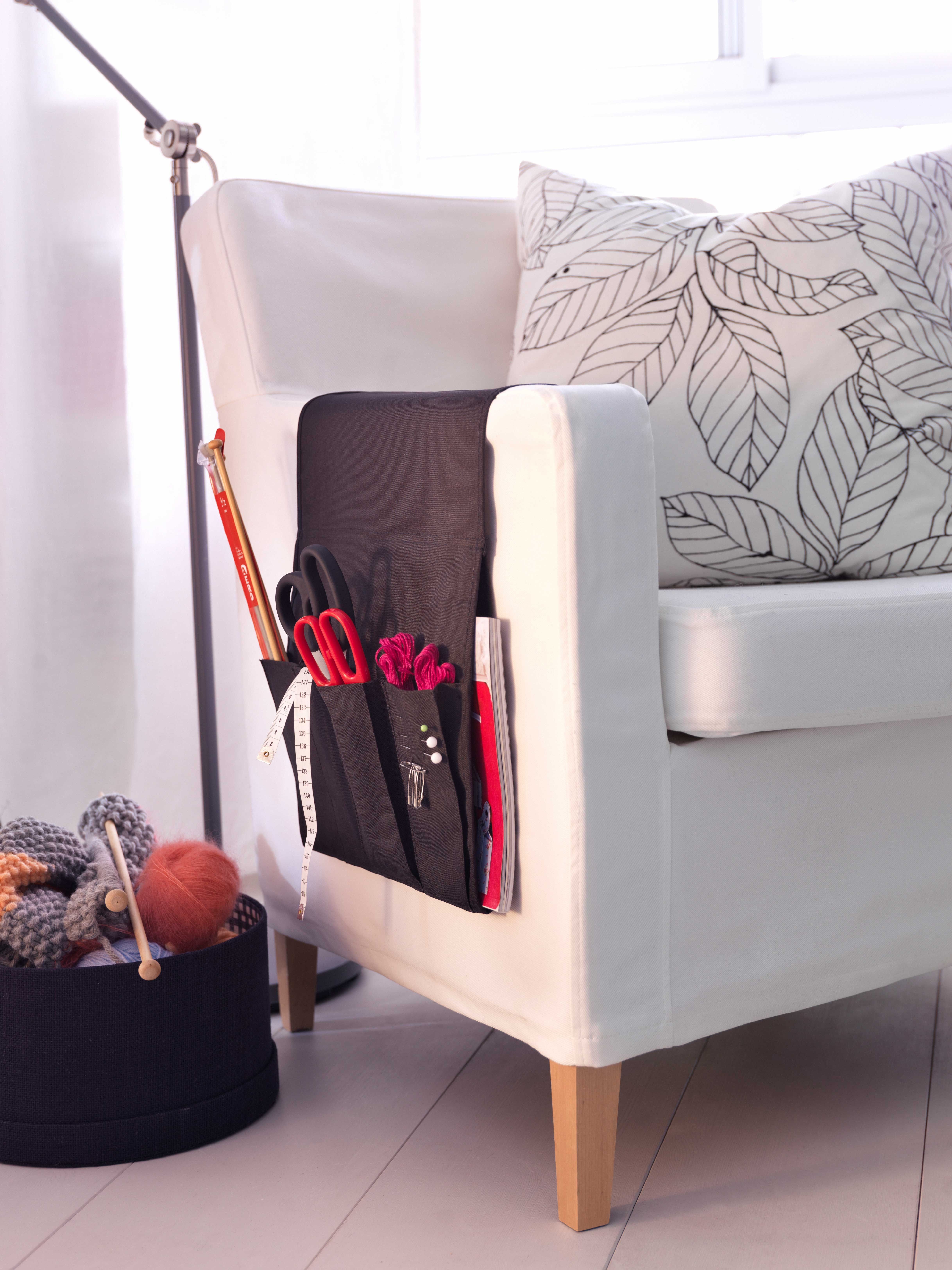 IKEA Sterreich Inspiration Wohnzimmer Tasche Fr Fernbedienung FLRT Kissen BLAD Sessel
