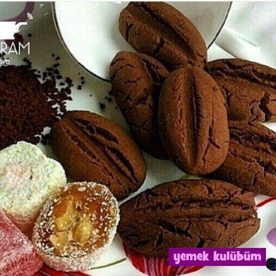 Kahve Çekirdeği Kurabiye Tarifi nasıl yapılır? Tarifin resimli anlatımı için tıklayın. Değişik kurabiye tarifleri için kurabiyeler kategorimize göz atın.