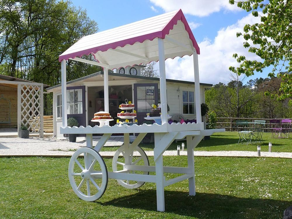 Whether It S Weddings Birthdays Anniversaries Or Simply A Movie Night The Sophie Victorian Candy Cart Is Just What You Need Can