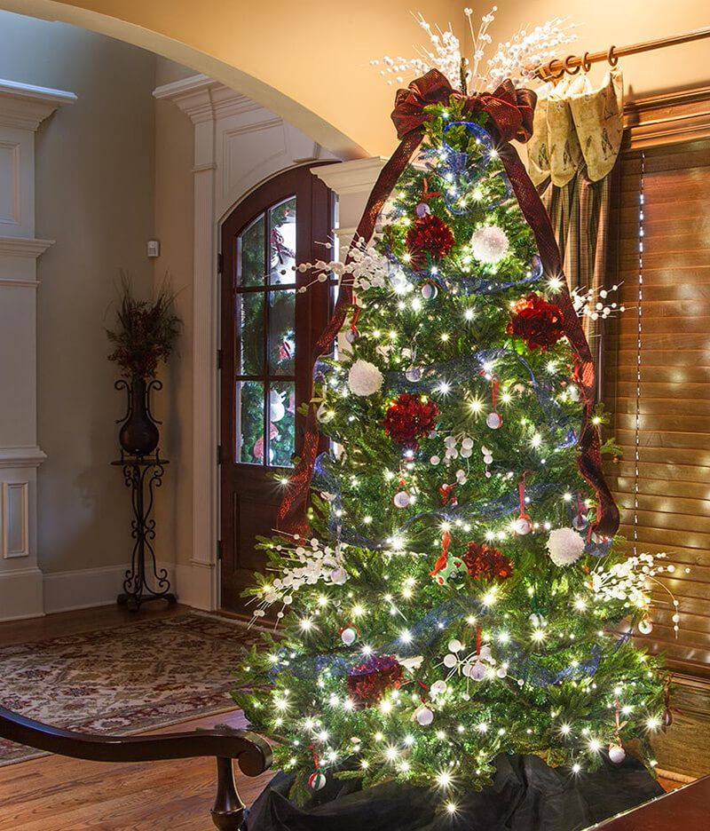 Best Christmas Tree Light Ideas That You Can Also Try At Your Home Cool Christmas Trees Indoor Christmas Christmas Lights