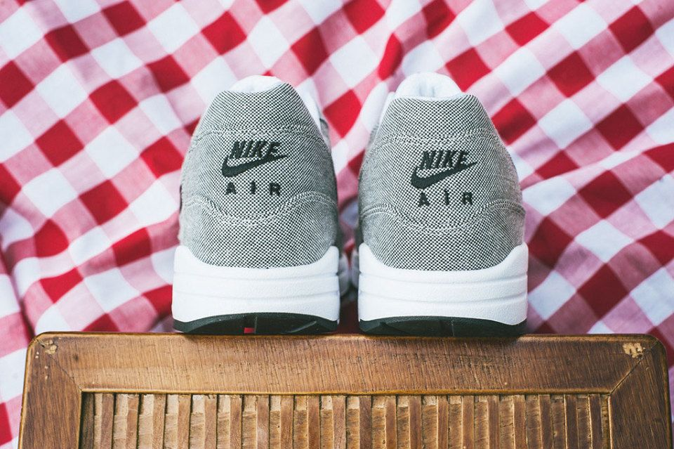 Basket Nike Air Max 1 Cut Out Prm Noir 42
