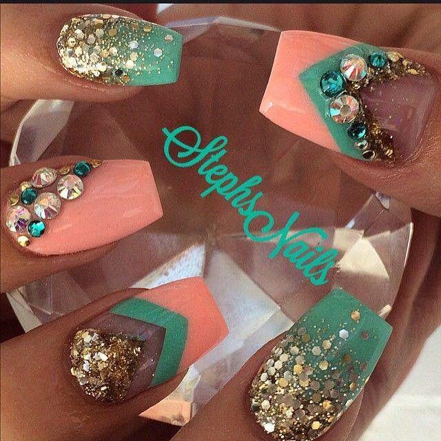 nails #coral #menta #goldnails   Uñas acrílicas   Pinterest