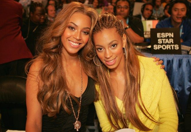 Solange accompanies her sis to the NBA All Stars back in2005.