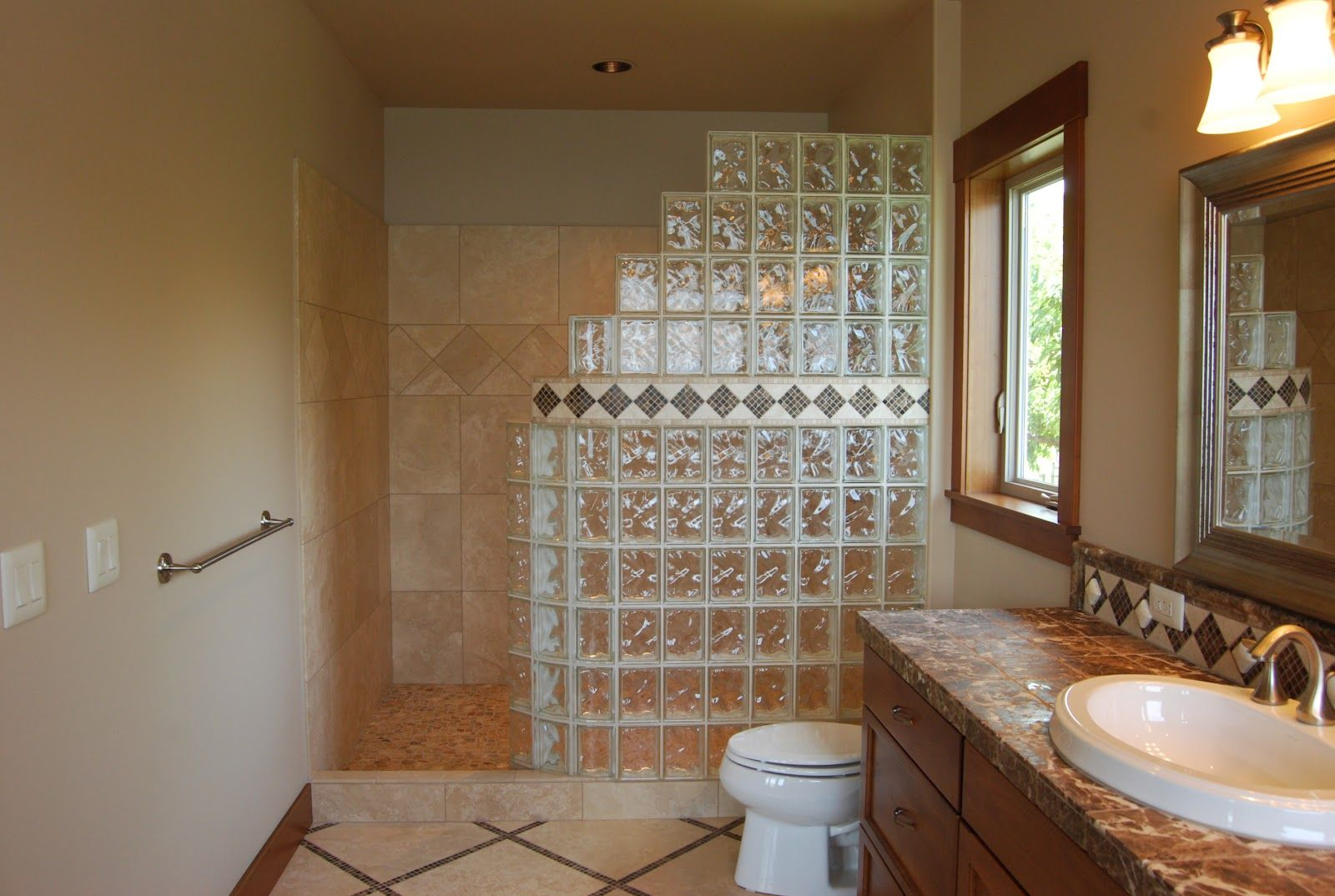 Glass brick shower designs seattle glass block glass for Glass bricks designs
