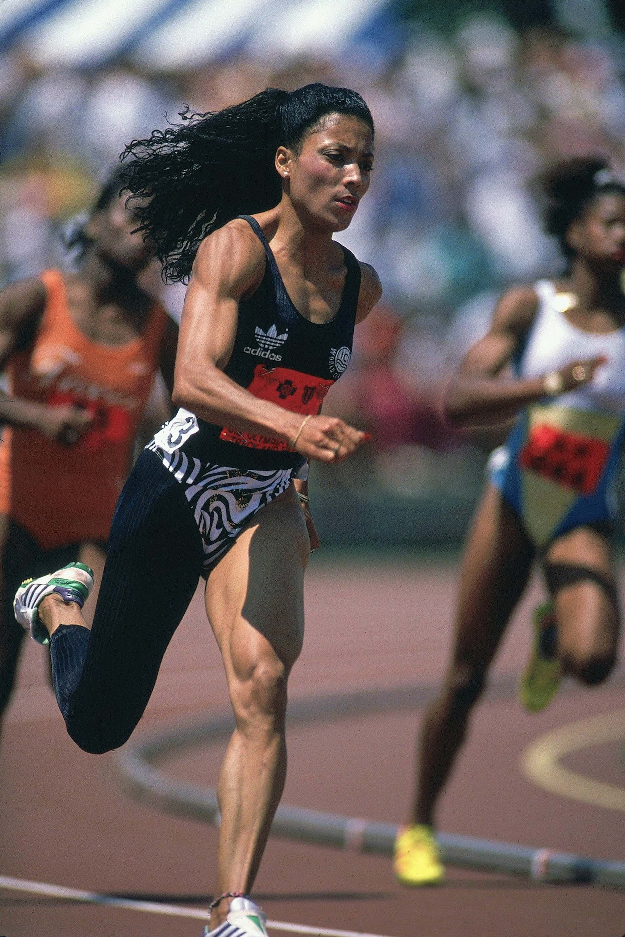 The Fastest Woman In The World Was The Most Fashionable Too Flo Jo S Olympics Style Female Athletes Flo Jo Olympics Style