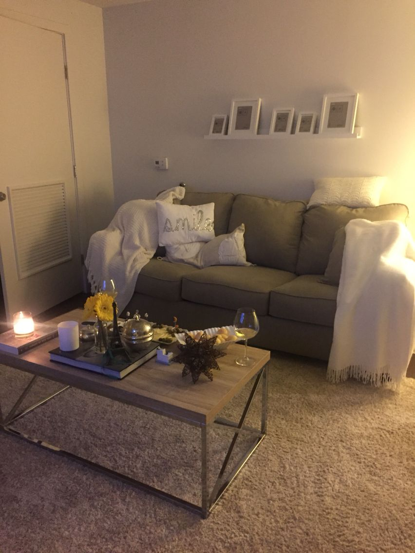 Cozy Living Room In 2019 First Apartment Decorating