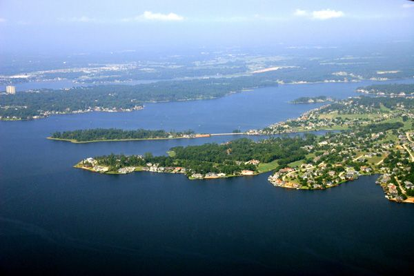What drought? Lake Conroe full for first time since April ... |Lake Conroe Swimming