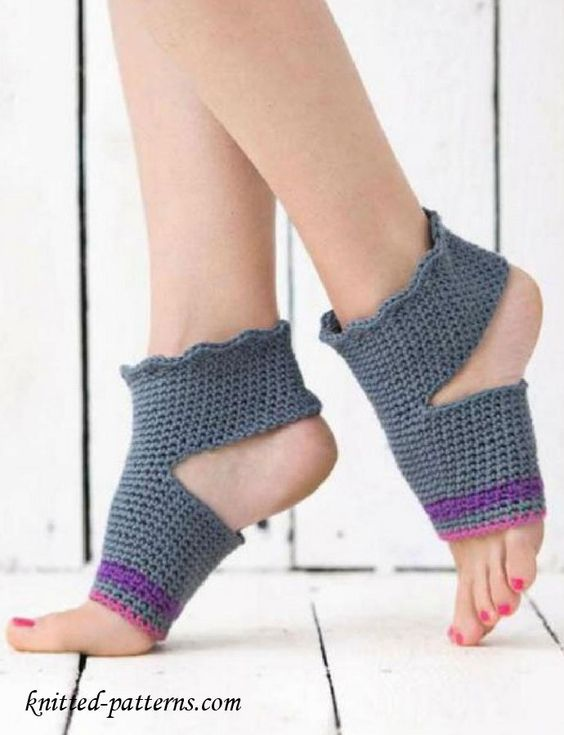 Crochet yoga socks free pattern | Stitches | Pinterest | Zapatos ...