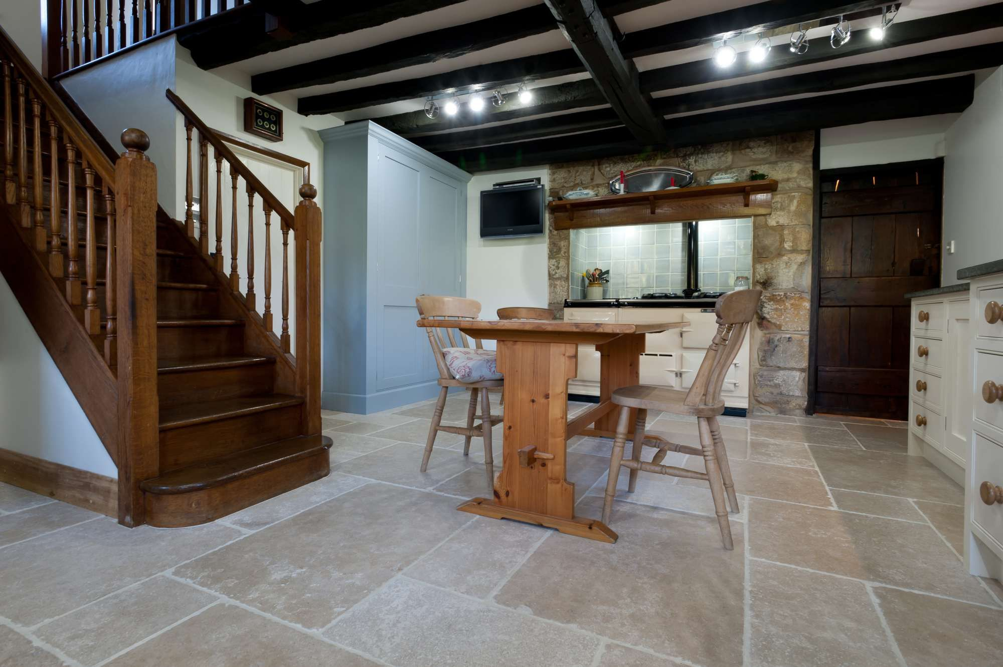 Natural stone flooring granite marble supply and fit tonbridge natural stone flooring granite marble supply and fit tonbridge kent dailygadgetfo Images