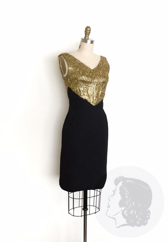 Vintage 1950s Dress 50s Eyelash Tinsel Cocktail Dress Size Etsy Vintage 1950s Dresses 50s Dresses Dresses [ 1142 x 794 Pixel ]