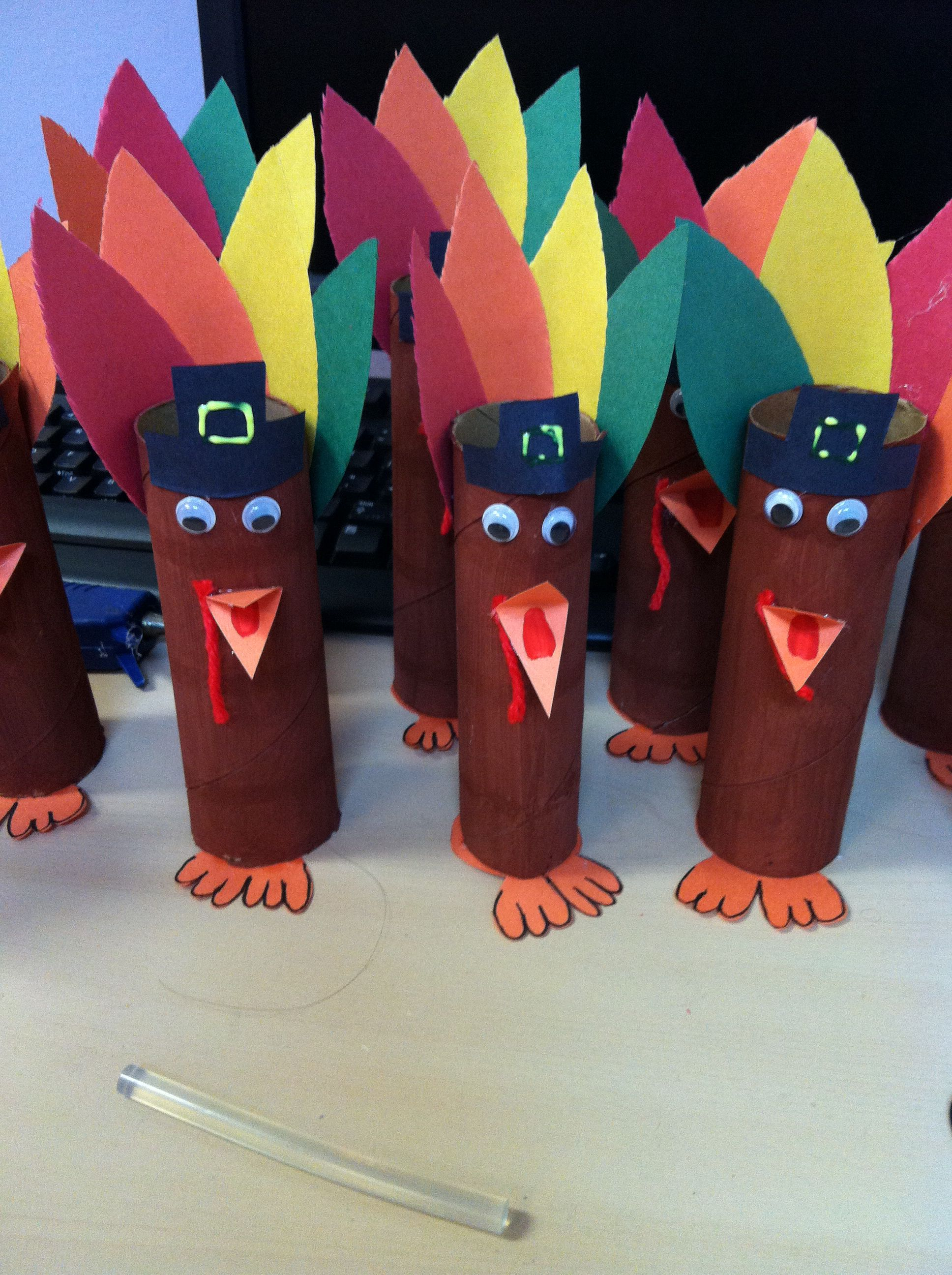 Paper Towel Roll Turkey Craft Easy And Fast Thanksgiving