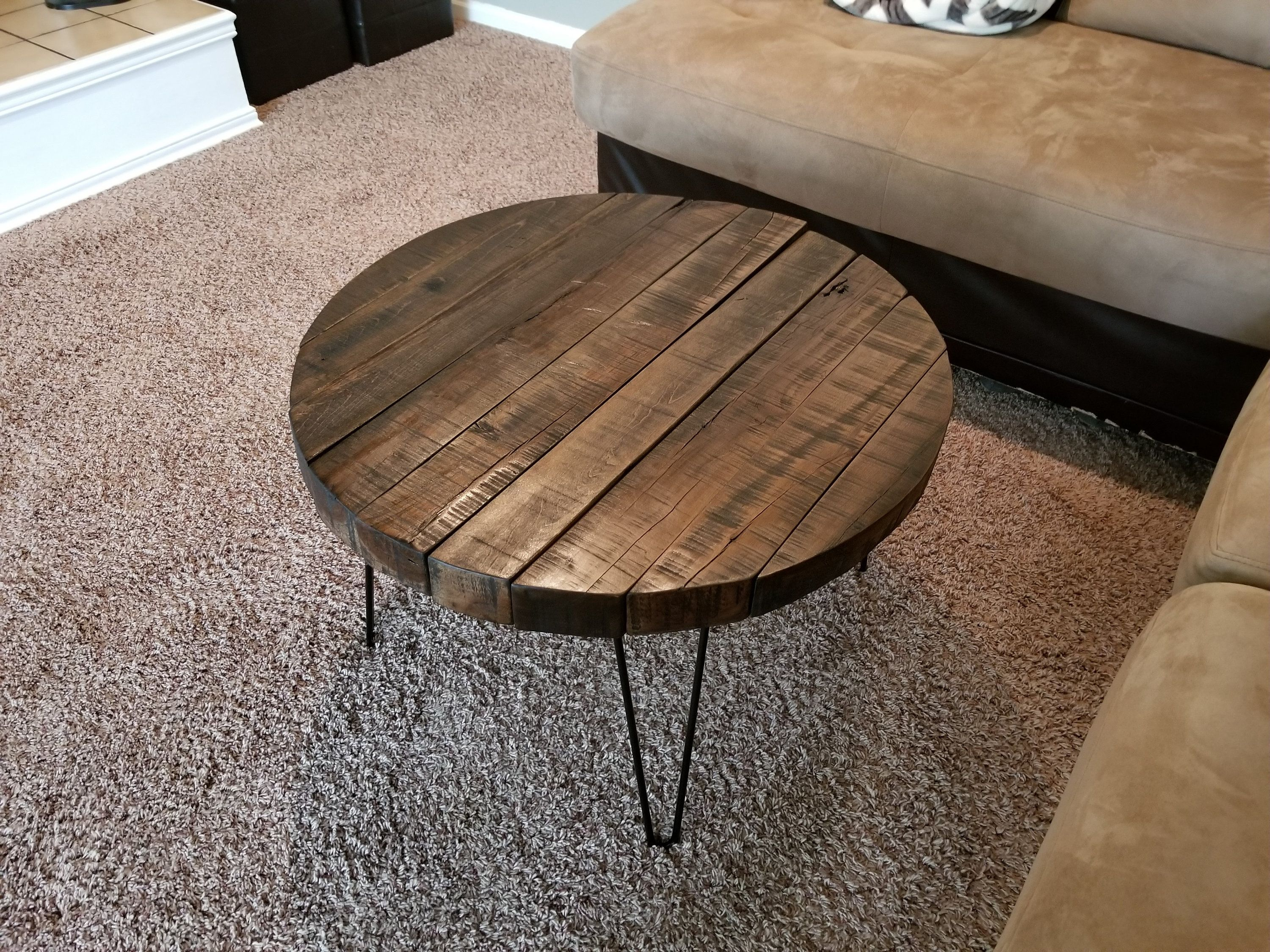 Reclaimed Wood Round Coffee Table With Hairpin Legs Etsy Round Wood Coffee Table Reclaimed Wood Coffee Table Coffee Table Wood
