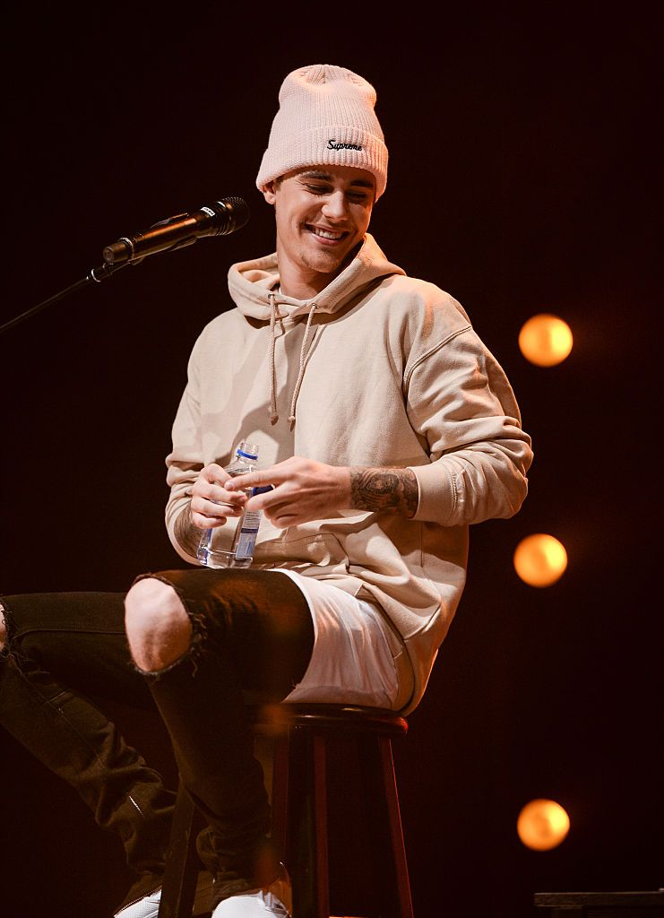7e2d655ead1 Singer Justin Bieber performs on stage during  An Acoustic Evening ...