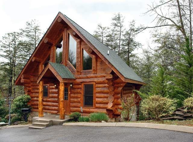 Bear Feet Lodge 2 Bedroom Cabin At Parkside Cabin Rentals Gatlinburg Cabins Cabin Gatlinburg Cabin Rentals