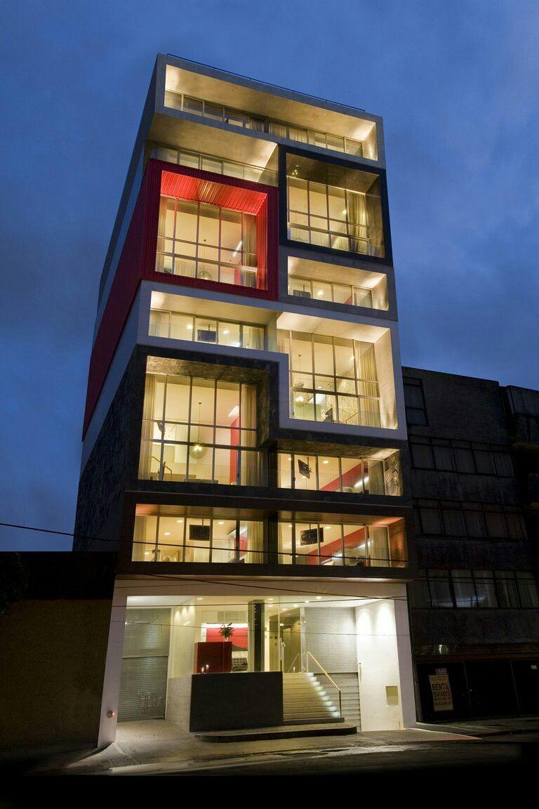 Edificio peque o especial para el dise o de un hotel for Hoteles diseno berlin