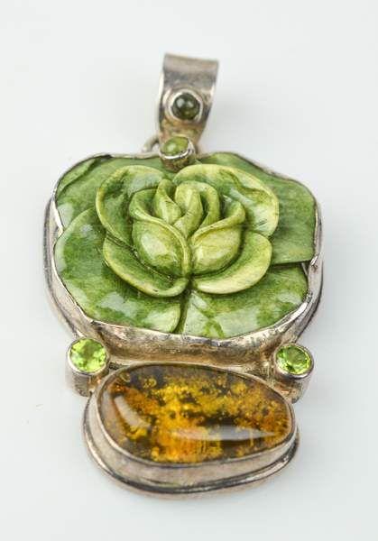 shopgoodwill.com: Green Stone
