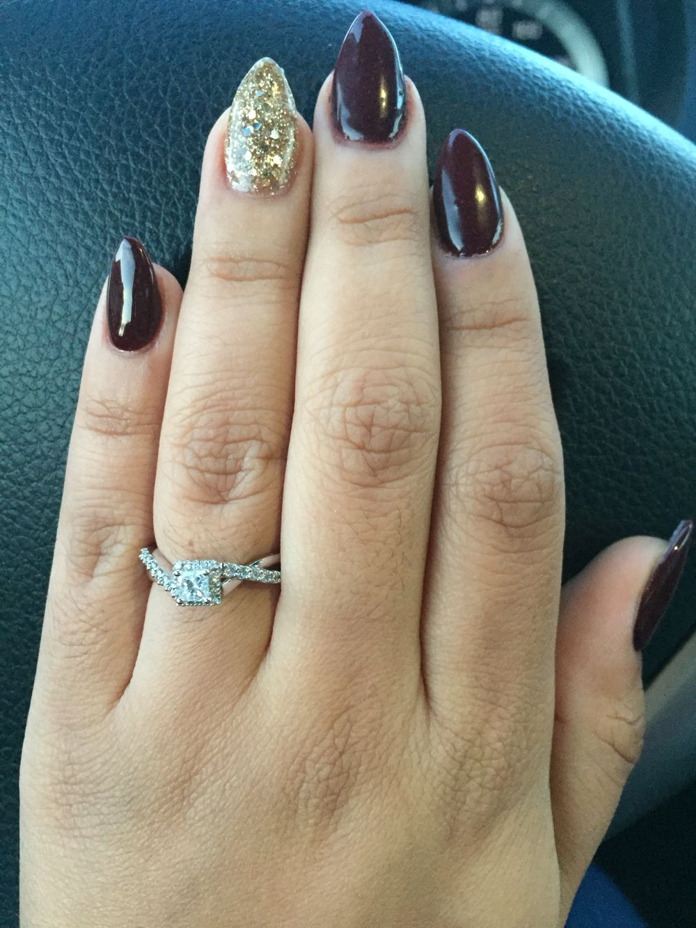 Fall burgundy short almond nails with gold ️ (With images ...
