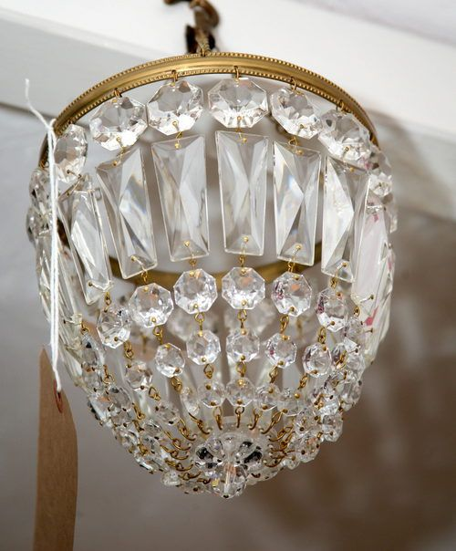 Small Antique Chandelier - A room using a chandelier it certainly is more  amazing than maybe not. The chandelier always sti - Antiques Atlas - 1950's Small Bag Chandelier Decorating