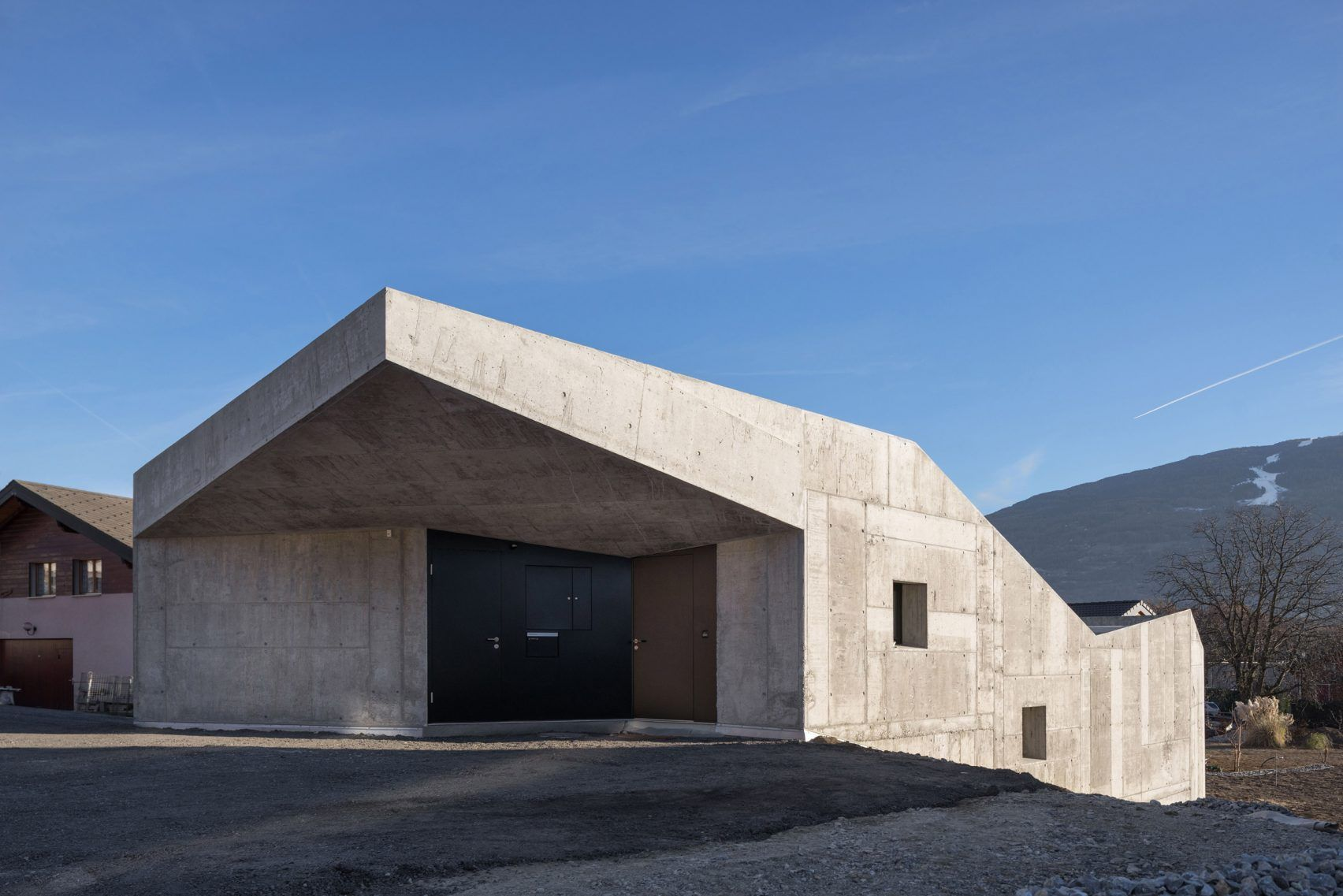 Anako Architecture Completes Fortress Like Concrete House In An Alpine Town Architecture Concrete House Concrete Houses