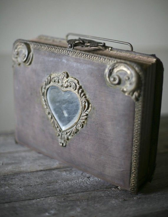 Victorian photo album, very cute