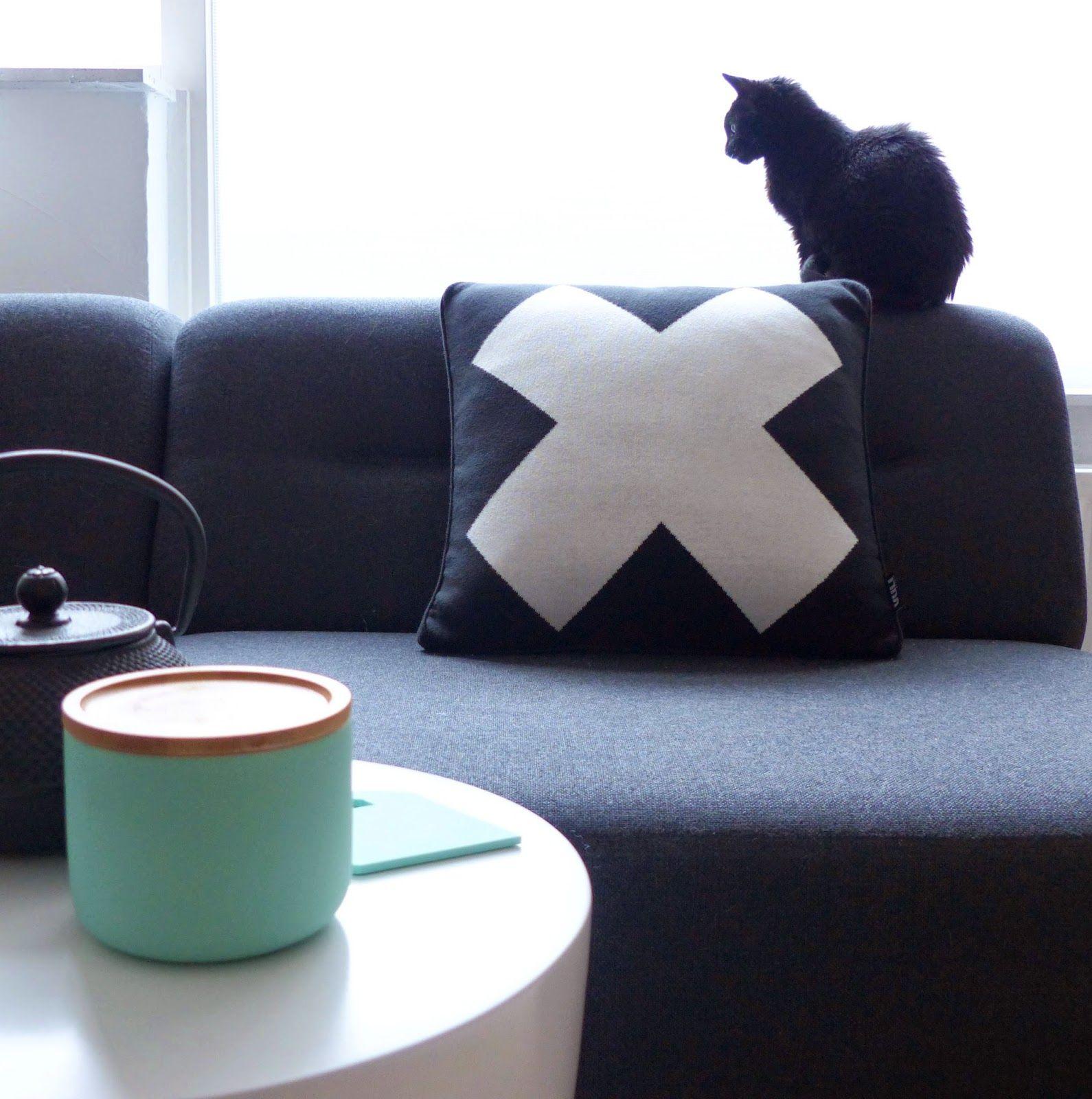 Klein Huis Grote Wensen: Volt kussen Mouse op de bank