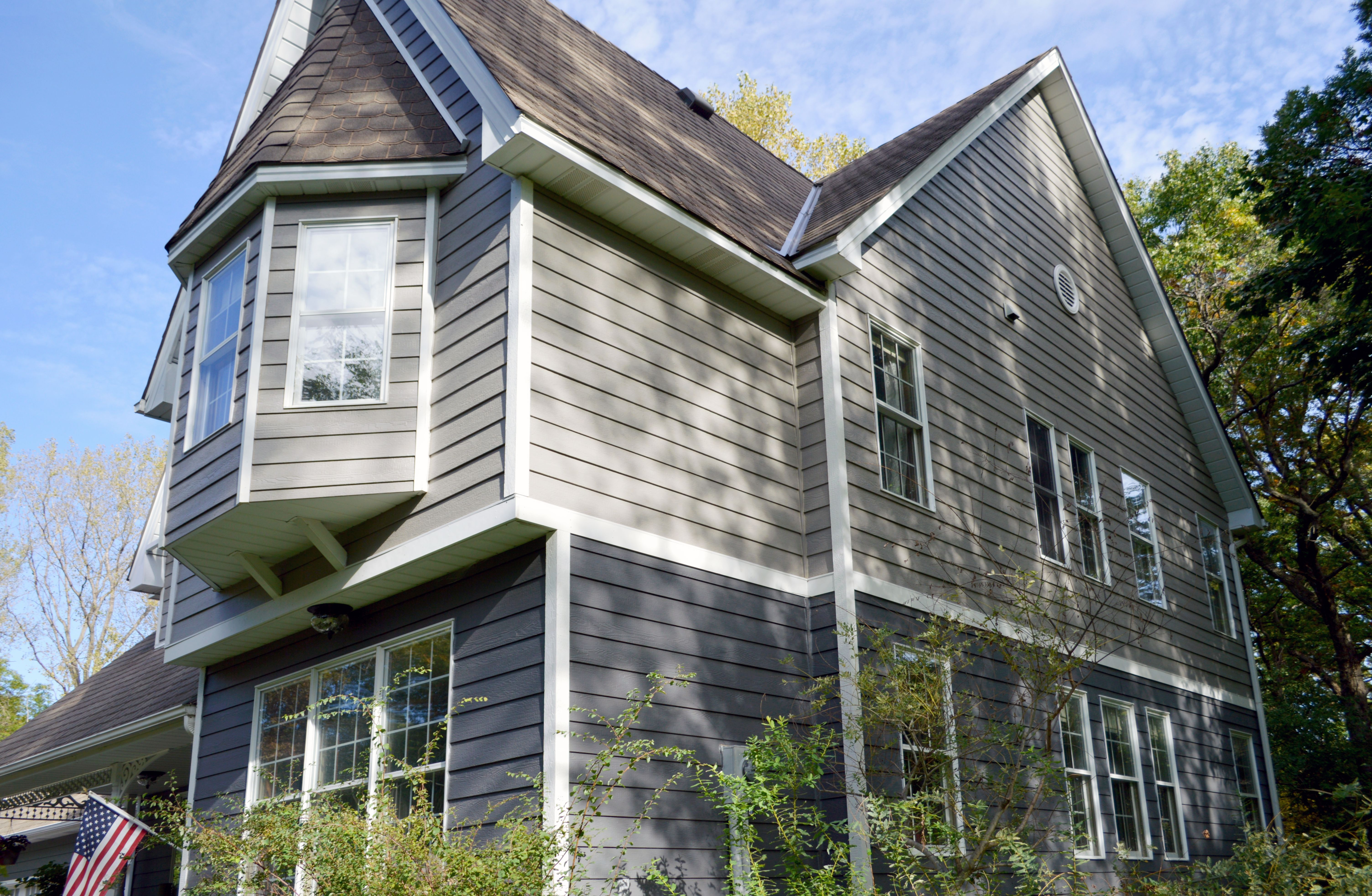Lp Smartside Siding Peppercorn And Dovetail Installing Siding Bay Window Exterior Siding