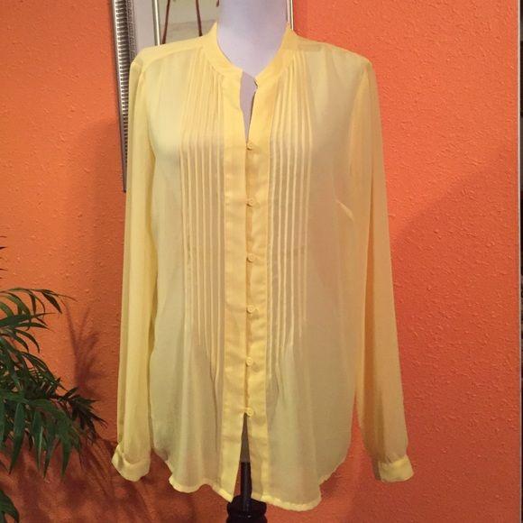 545ae1d631f956 Jelov silk tops Nice slive top Liz Claiborne Tops Blouses