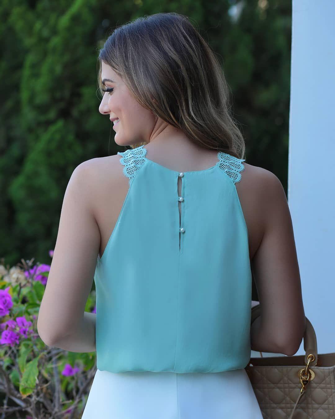 39a56db419  Summer Wishes  Detalhe lindo de botões nas costas desta blusa na querida   arianecanovas! 💕💕💕