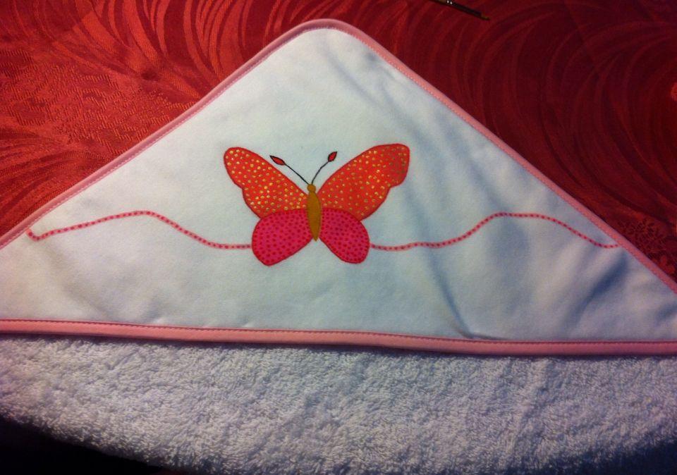Toalha de banho 100% algodão com uma borboleta